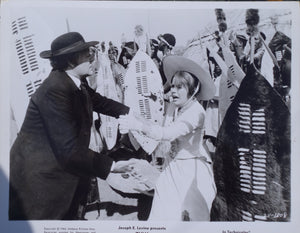 ZULU Movie Still - Jack Hawkins and Ulla Jacobsson at the Zulu homestead