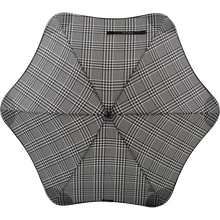 Load image into Gallery viewer, 2020 Classic Houndstooth Blunt Umbrella Top View