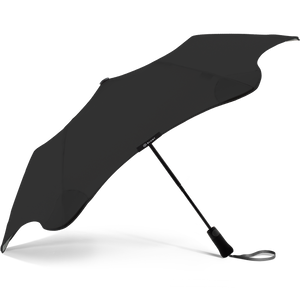 2020 Metro Black Blunt Umbrella Side View