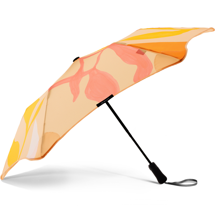 2020 Blunt Studio Jasmine Metro Umbrella Side view