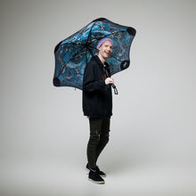 Load image into Gallery viewer, 2020 Blunt Jordan Debney Classic Umbrella Model shot 2
