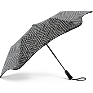 2020 Metro Houndstooth Blunt Umbrella Side View