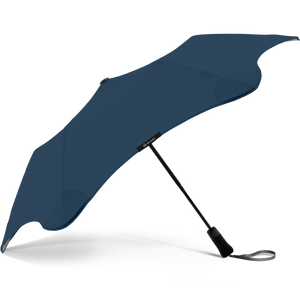 2020 Metro Navy Blunt Umbrella Side View