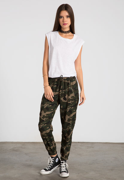 Soft cropped camo pants
