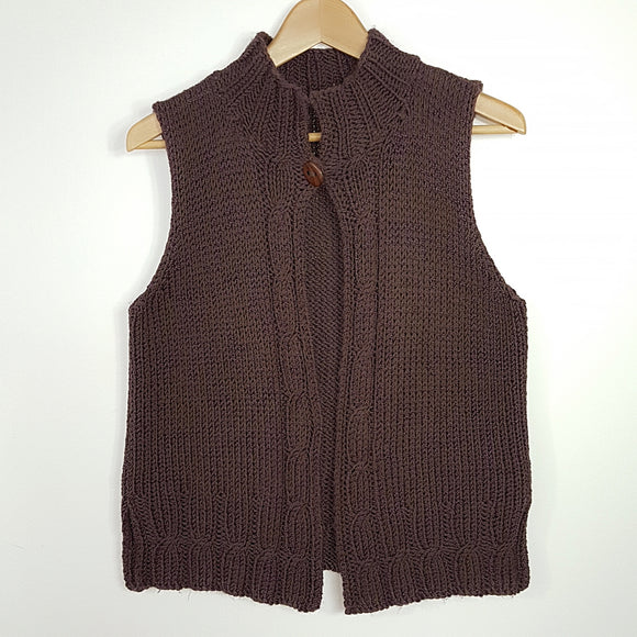 Women's - Vest in Cable Pattern (Pattern Downloads)