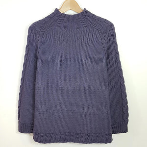 Women's Sweater in Chunky Scooped Hem and Cable Style