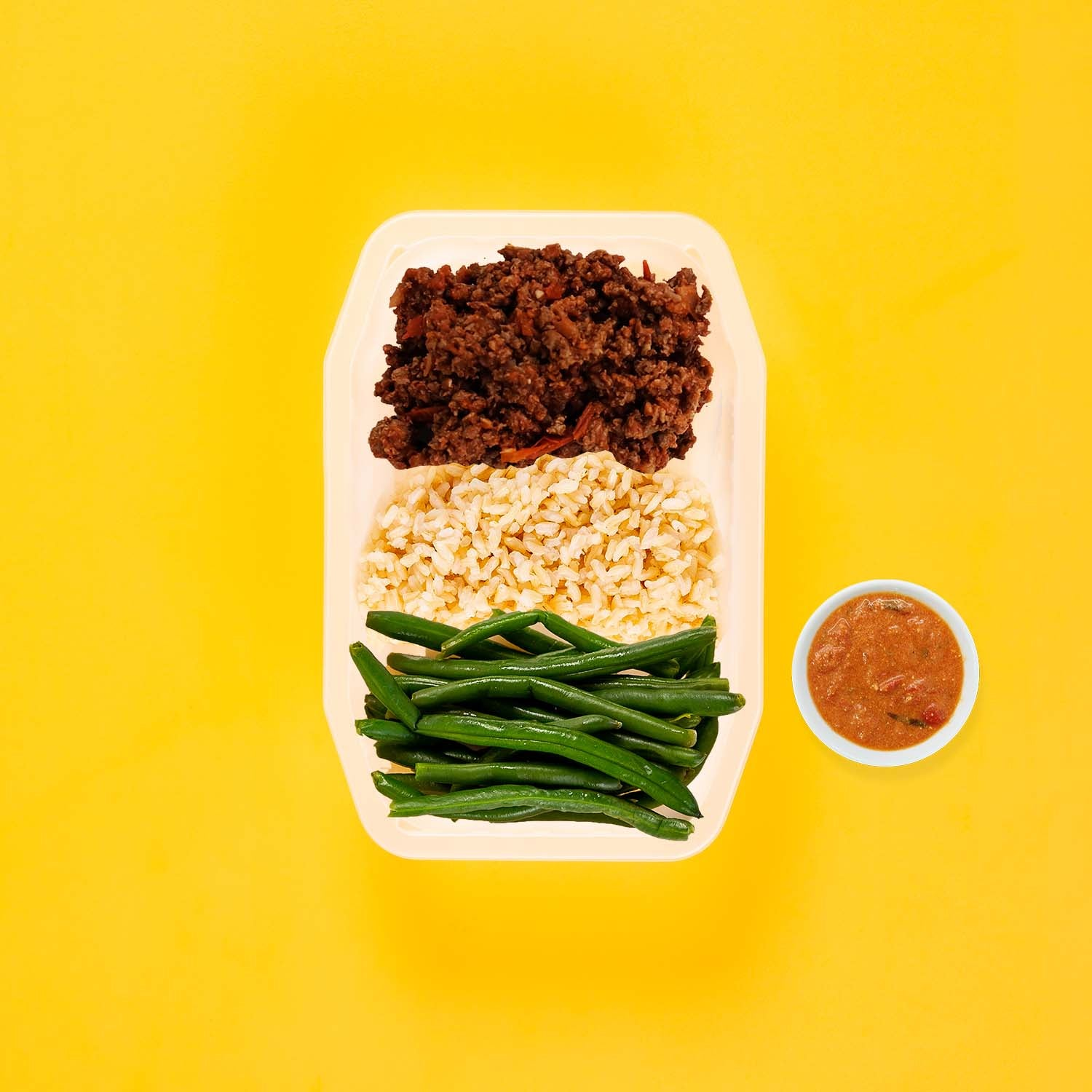 50g Lamb Moussaka 200g Brown Rice 50g Green Beans Thai Red Curry