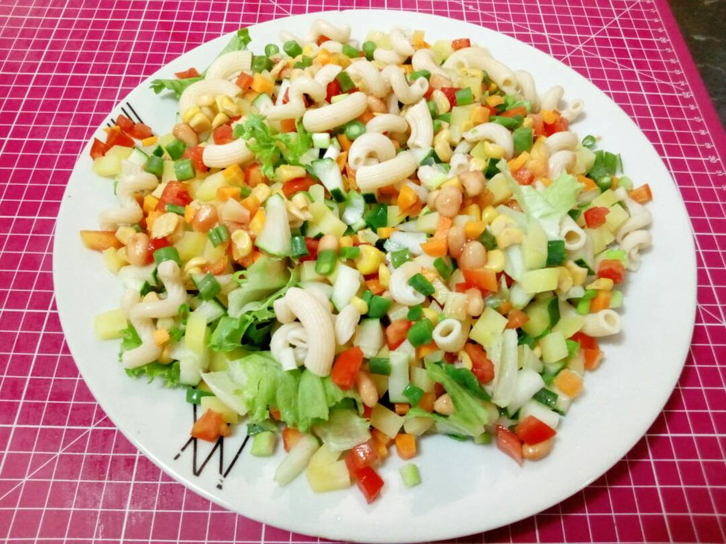 Freshcutsng.com Legendary Full Meal Salad is made with very fresh vegetables and includes macaroni and potatoes. Our quick delivery solution ensures our meals are delivered Fresh and we offer free delivery for large orders. Try our great tasting Salad selection today, other options include: Full Meal Salad, Greek Salad, Mexican Salad, Salad with Shredded Chicken and much more.