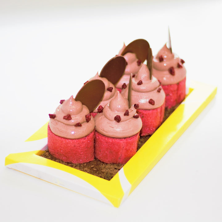 Raspberry and chocolate cake from Yann Haute Patisserie for the best quality ingredients
