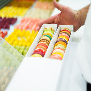 24 macarons boxes are beautiful!