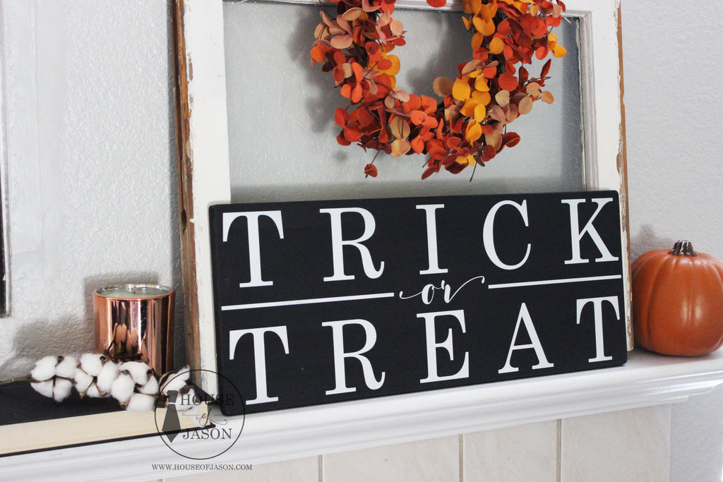 Trick or Treat, Halloween Decor, Trick or Treat Signs, Halloween Signs, Halloween, Black and White Halloween Decor, Halloween Mantle, Halloween signage, Front porch decor, fall decor, fall signs, autumn, trick or treat sign, house of jason