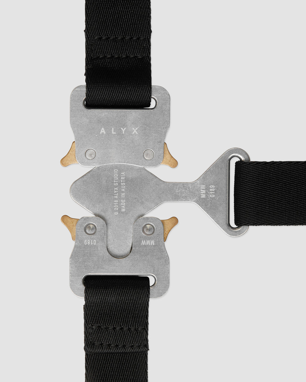 TRI BUCKLE HARNESS
