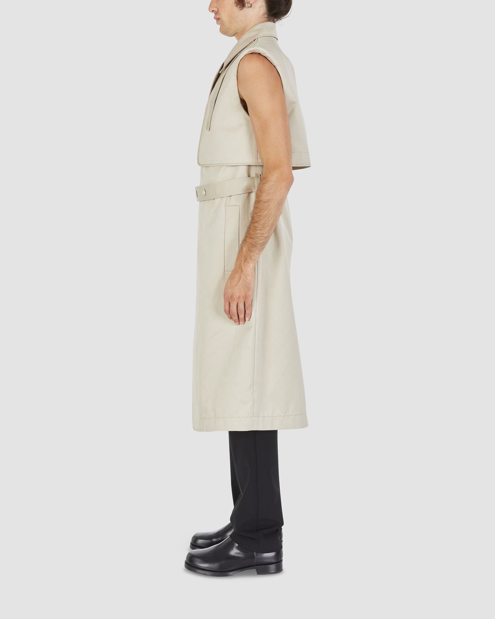 DOUBLE BREASTED SLEEVELESS TRENCH COAT
