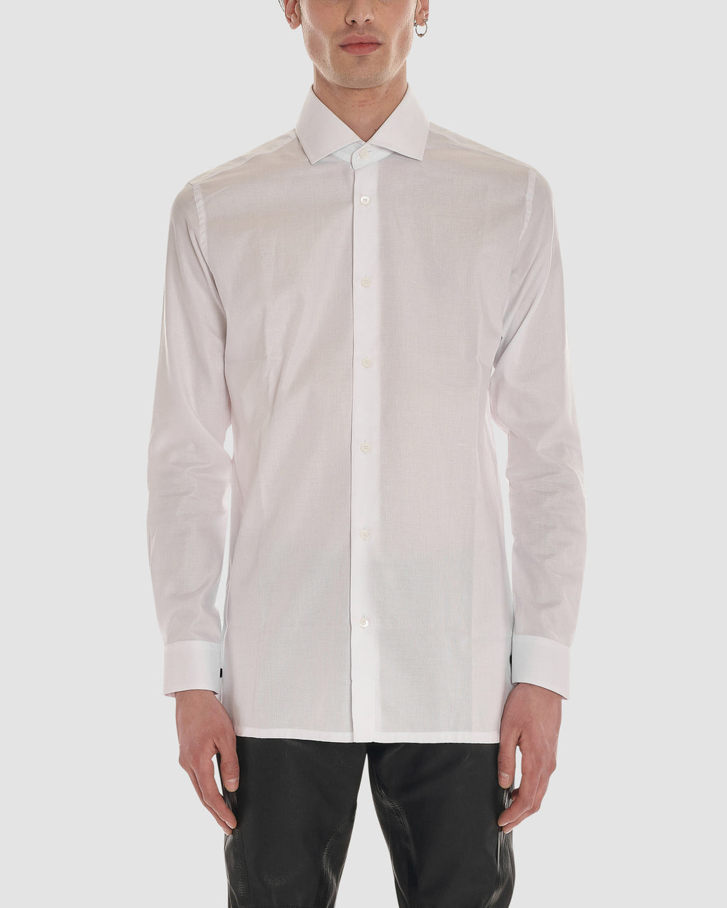 CLASSIC LONG SLEEVE BUTTON UP