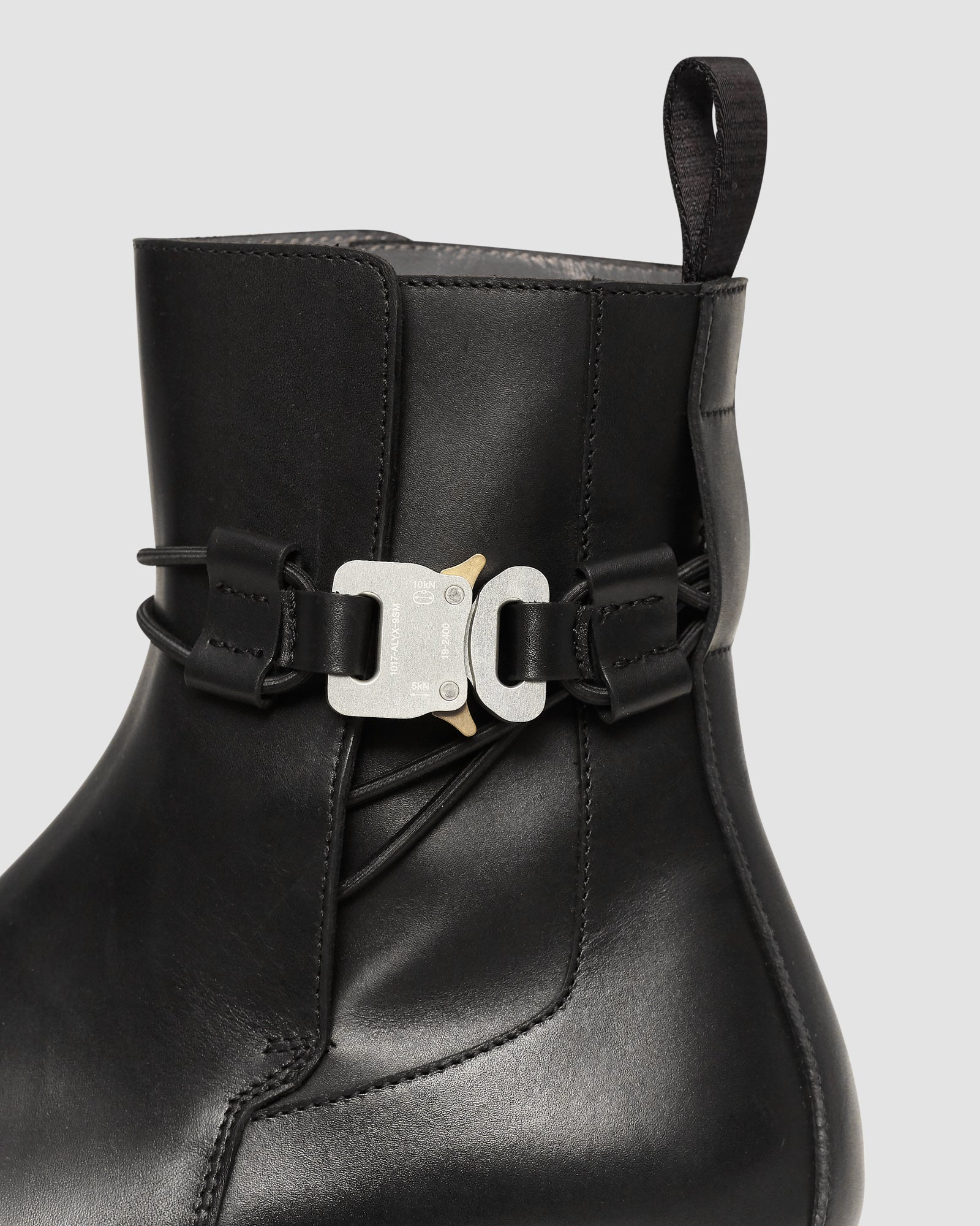 LOW BUCKLE BOOT WITH LEATHER SOLE