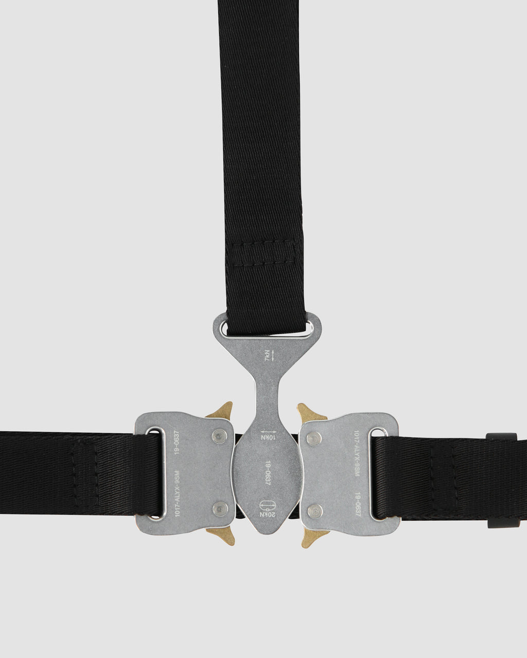 TRI-BUCKLE CHEST HARNESS
