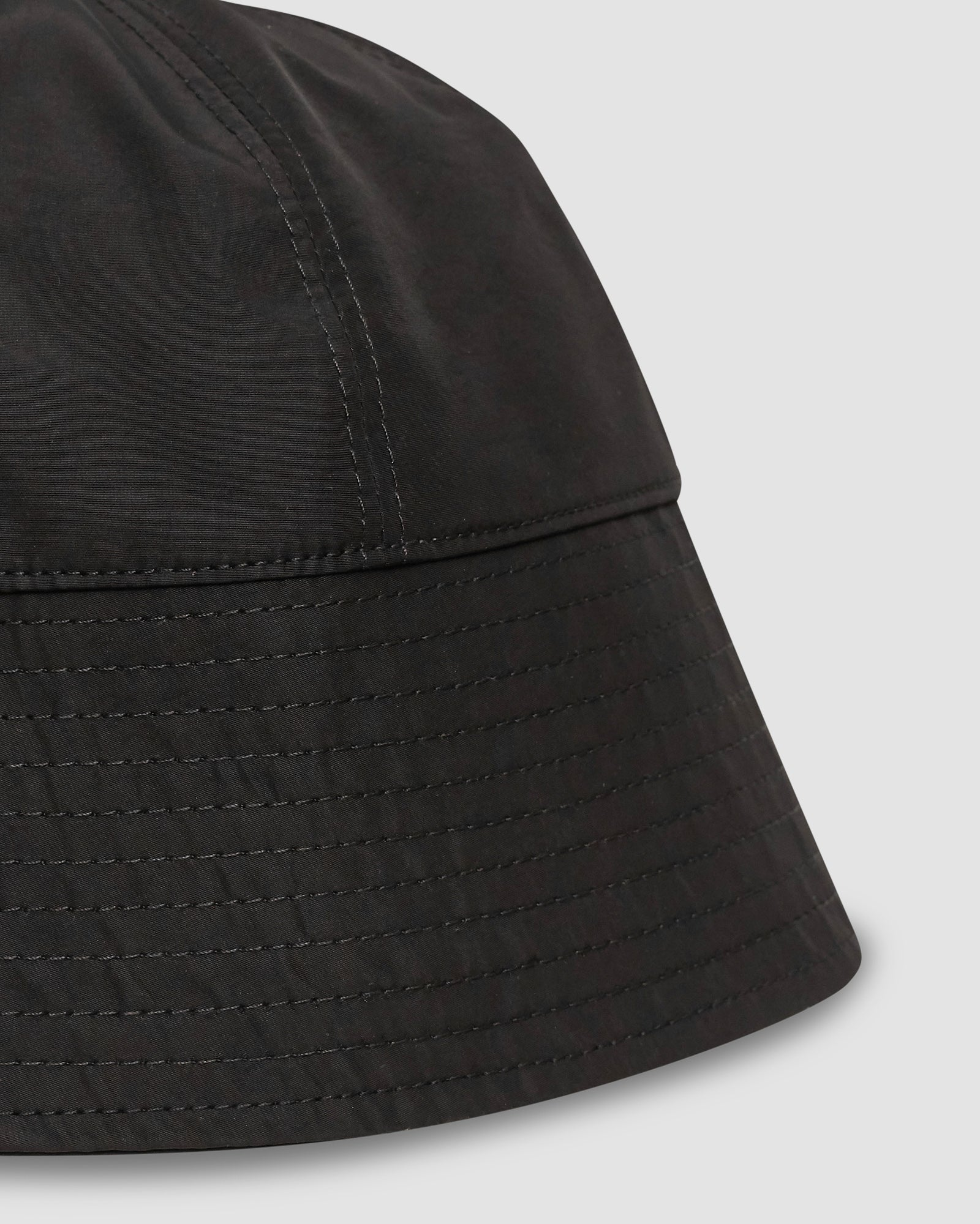 NARROW BUCKET HAT W/ BUCKLE