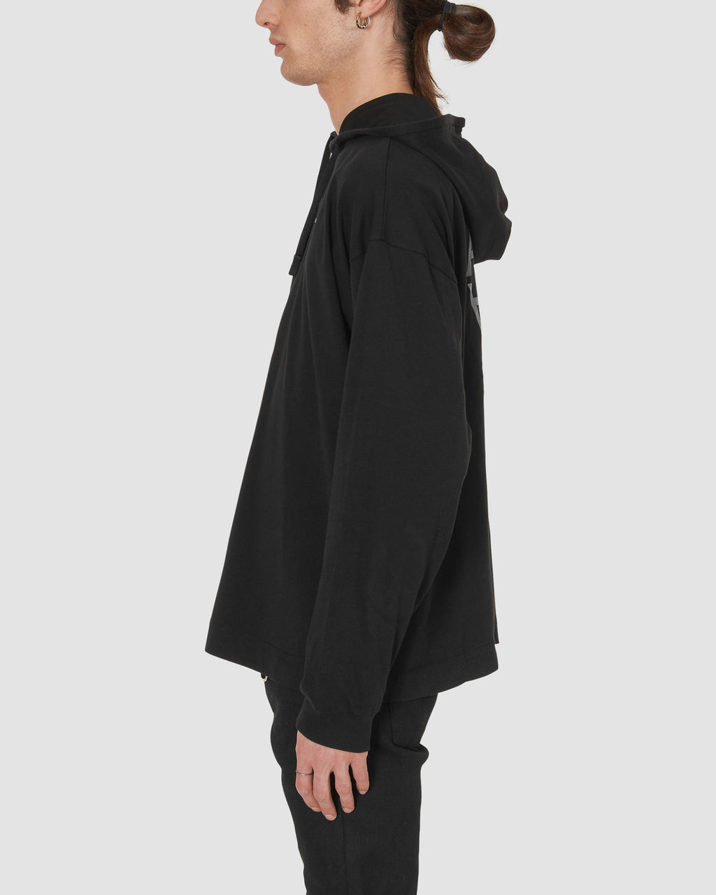 KM20 EXCLUSIVE HOODED TEE