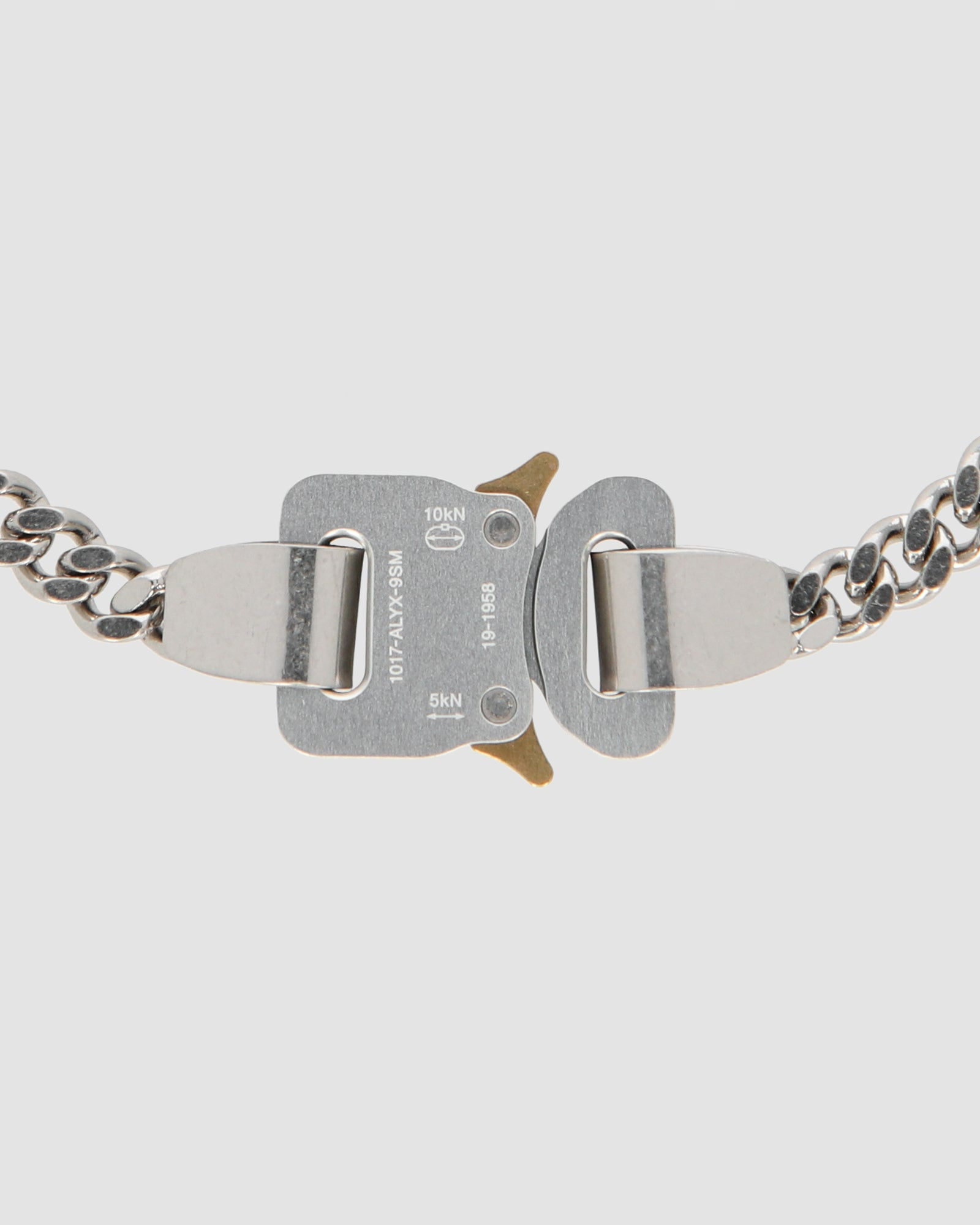 CLASSIC CHAINLINK NECKLACE WITH EXCLUSIVE CHARM - IT