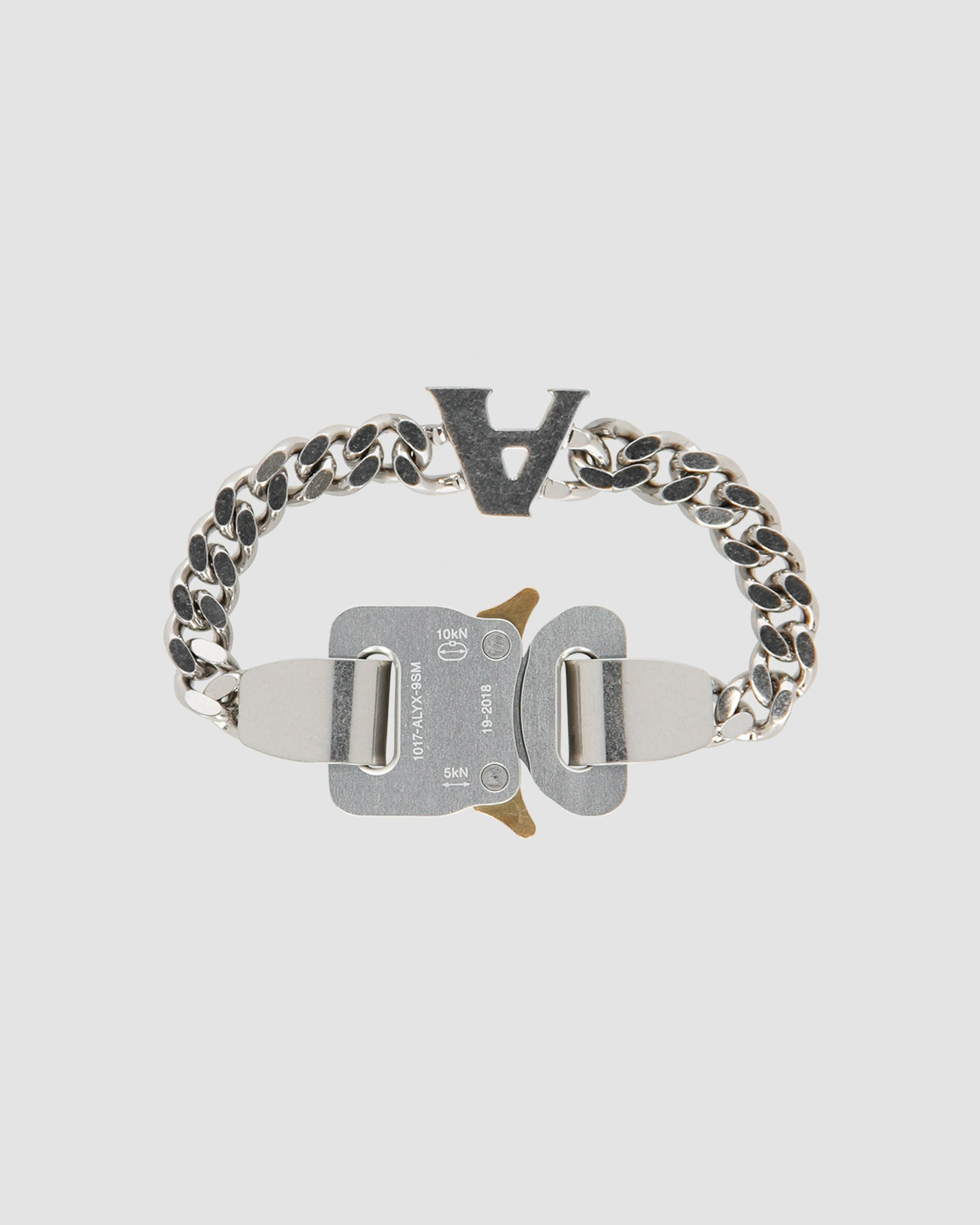 CLASSIC CHAINLINK BRACELET WITH EXCLUSIVE CHARM - IT