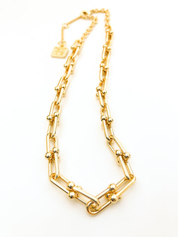 Lustrous Links Collar Necklace