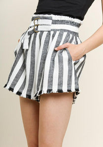 linen stripes shorts