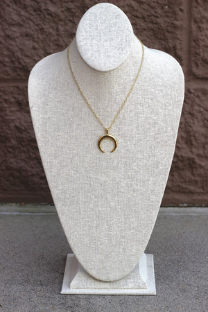 Metal Horn Pendant Necklace