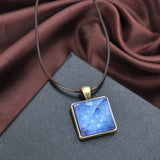 "Collier ""Pyramide de Cristal Luminescent"""