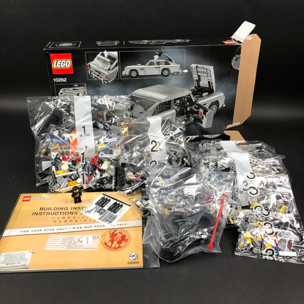 LEGO Aston Martin DB5 Box Contents