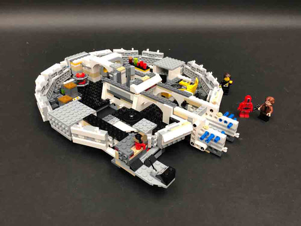 LEGO Kessel Run Millennium Falcon 75212 Build