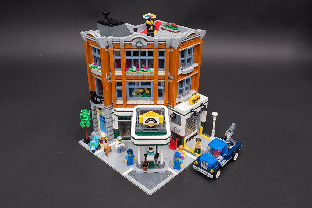 LEGO Corner Garage Complete Build