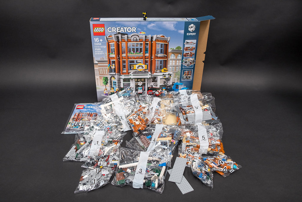Contents of LEGO Corner Garage 10264 Modular Building Series Set