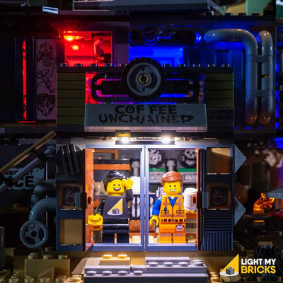 LEGO LED Light Kit for 70840 Welcome to Apocalypseburg Emmet in room