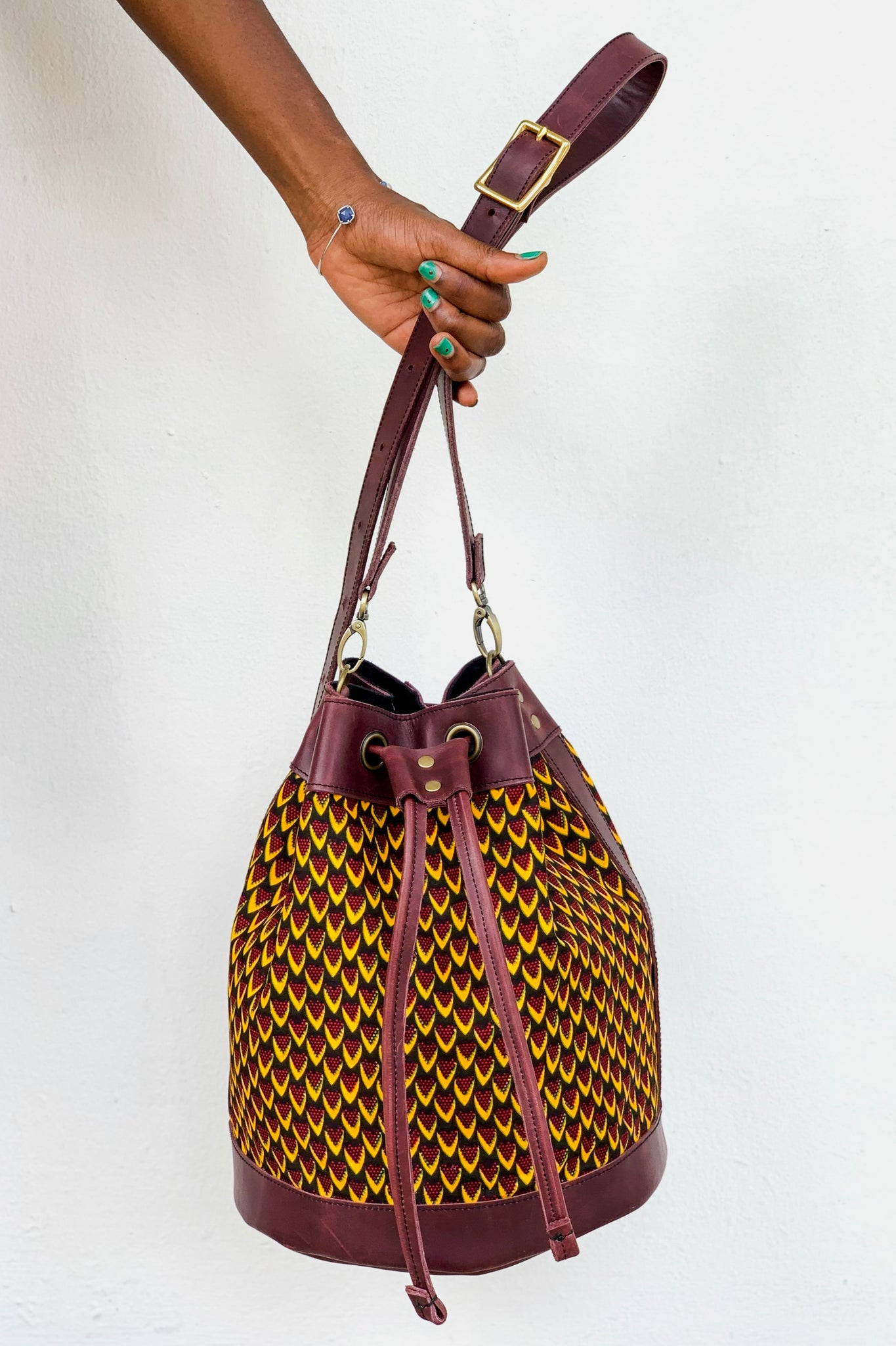 Bepu Fish Scale Bucket bag