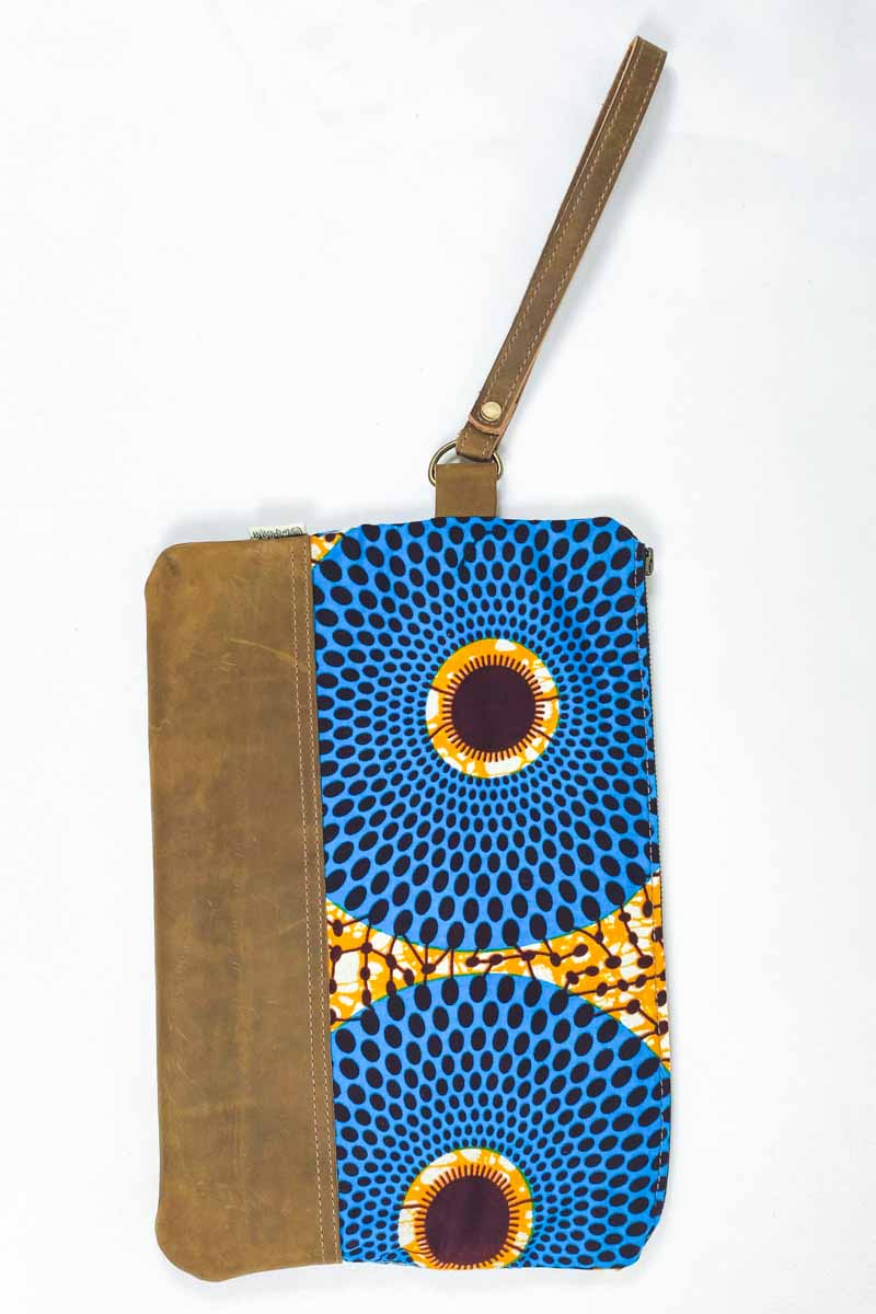 Bepu Water Well Clutch Bag - Azure