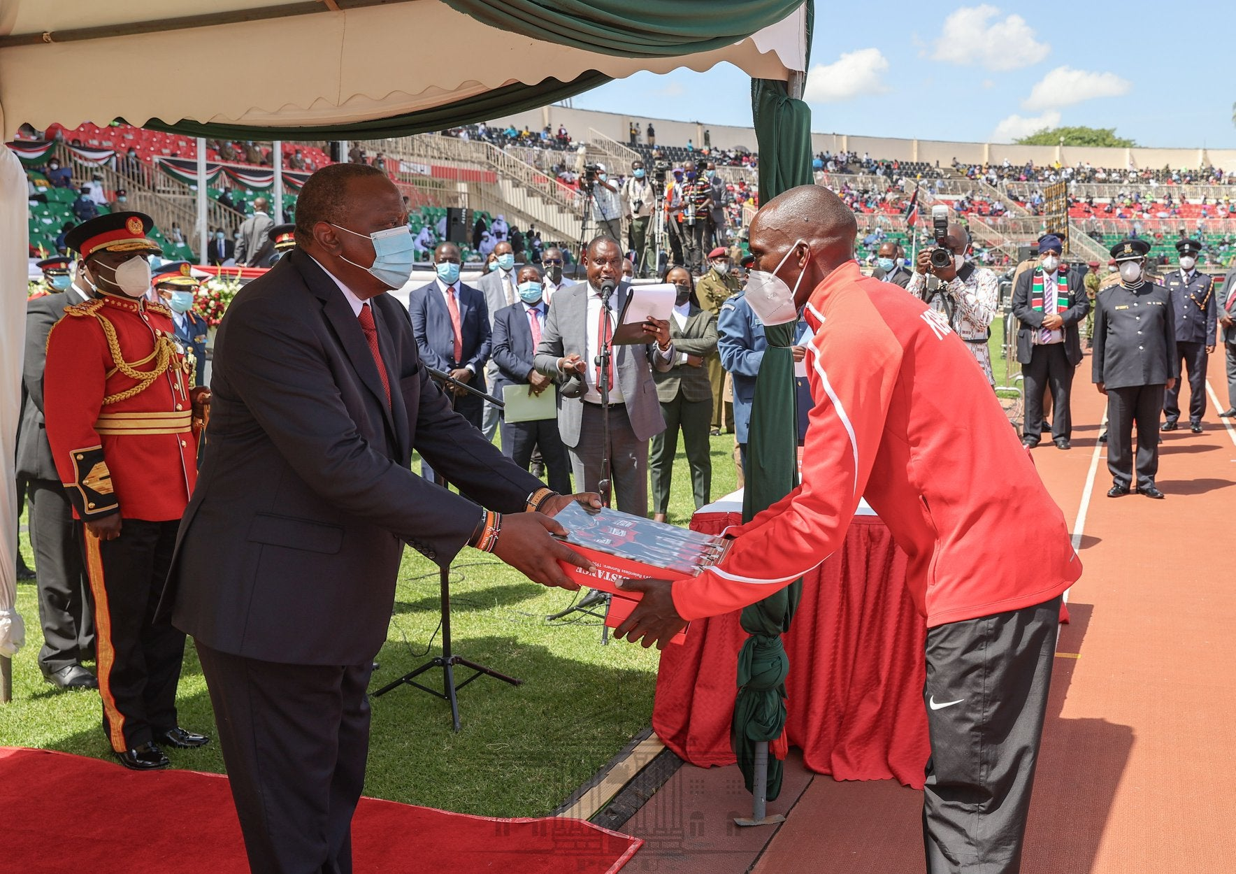 Timothy Cheruiyot earns state award