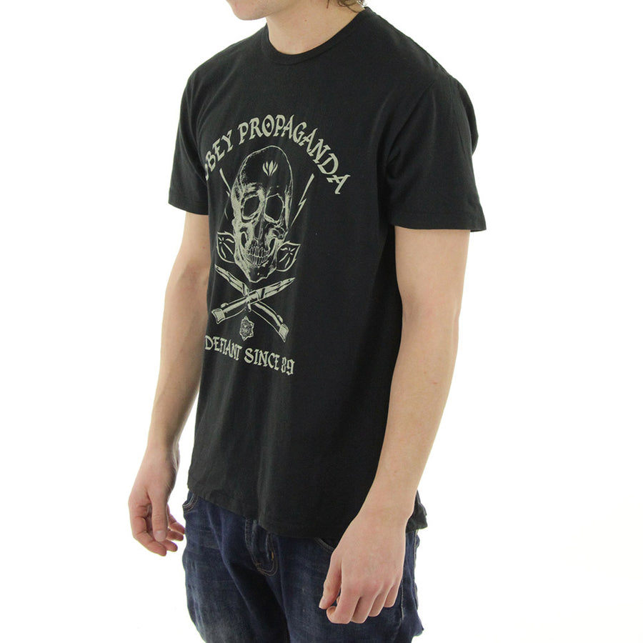Switch Blade Skull Tee/Black
