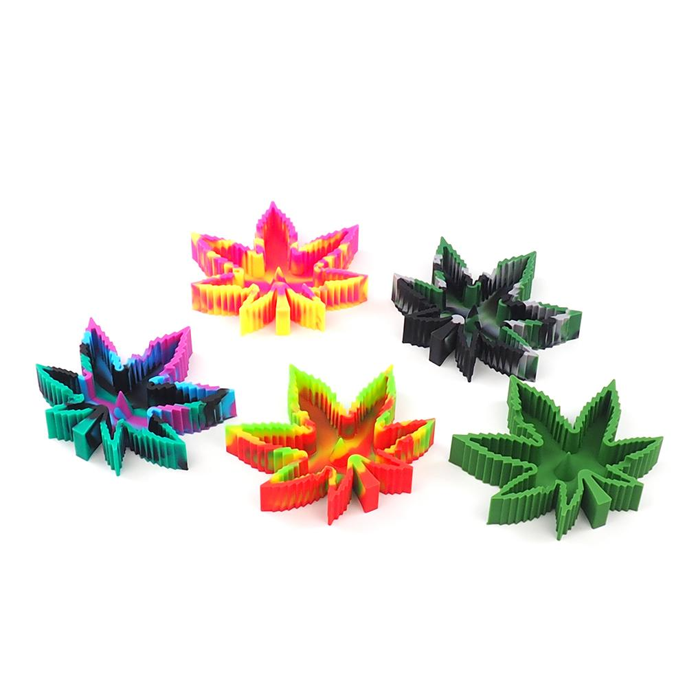 Weed Lovers Shop Ashtrays Heat Resistant Silicone Leaf Portable Ashtray