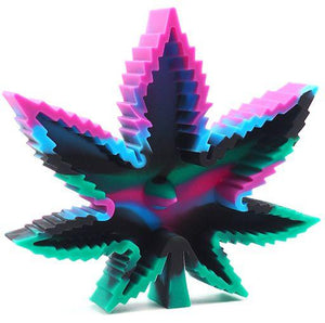 Weed Lovers Shop Ashtrays Green purple black Heat Resistant Silicone Leaf Portable Ashtray