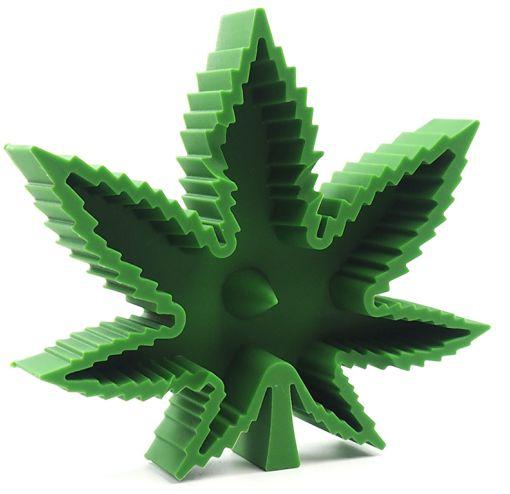 Weed Lovers Shop Ashtrays green Heat Resistant Silicone Leaf Portable Ashtray