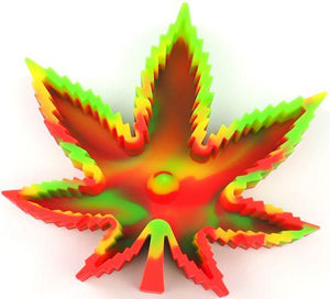 Weed Lovers Shop Ashtrays green red Heat Resistant Silicone Leaf Portable Ashtray