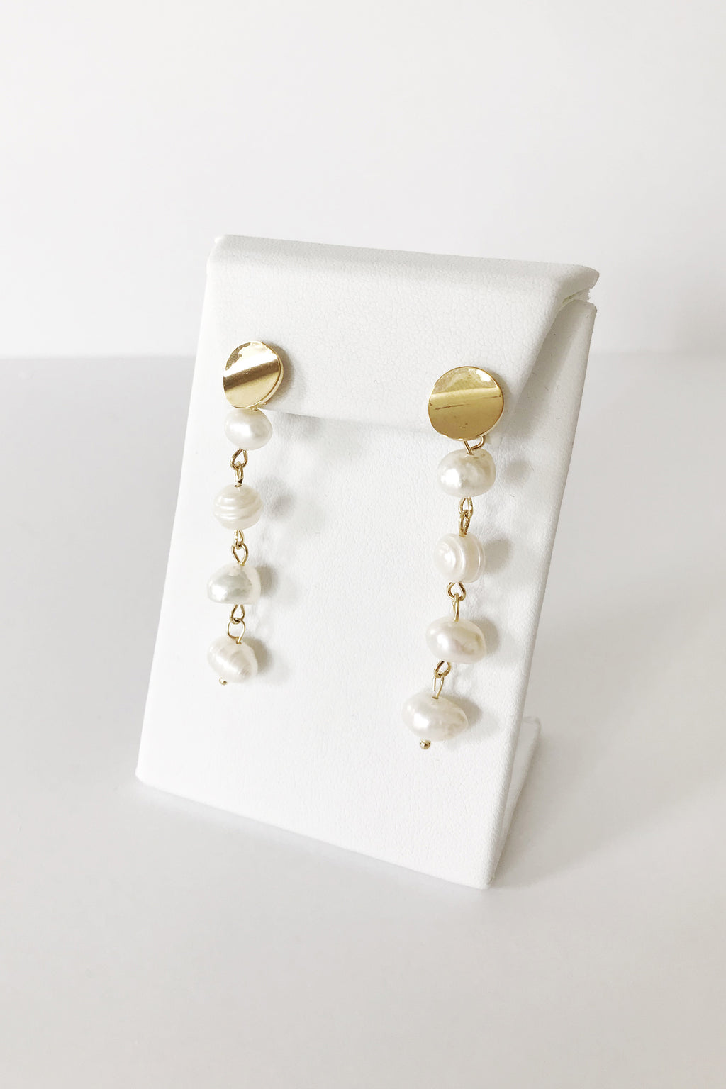 Gold Sphere Pearl Drop