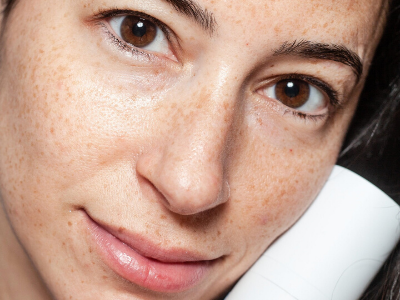 Physical and chemical exfoliation 101. Read now on Skinbase Beauty blog.