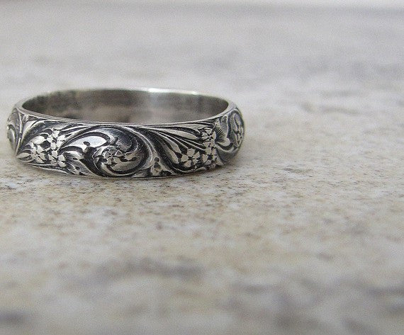 Antique Floral Silver Women's Wedding Band