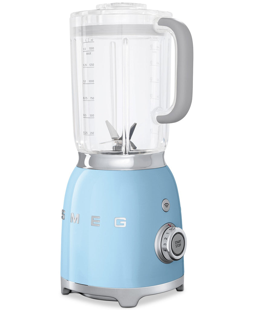 Regularly $312.99 for $156.43! Smeg BLF01 50s-Style Blender
