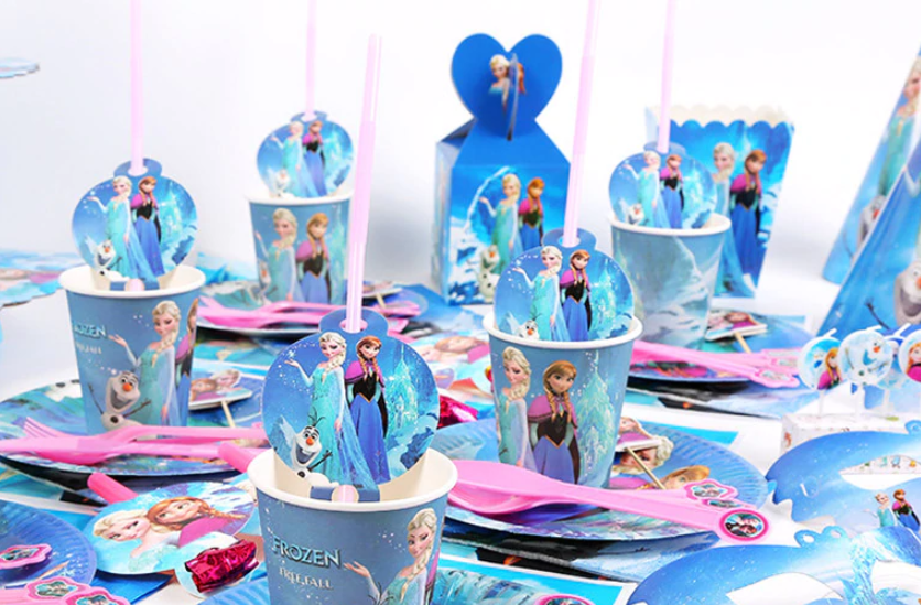 Super Cheap Frozen Elsa Little Girls Birthday Party Plates Forks Spoons Napkins Straws Party Favor Boxes Tablecloths Masks Horns .82-2.22