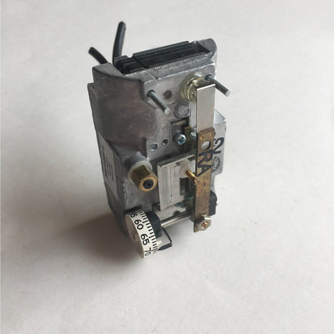 Johnson Controls T-4002-202 Pneumatic Thermostat