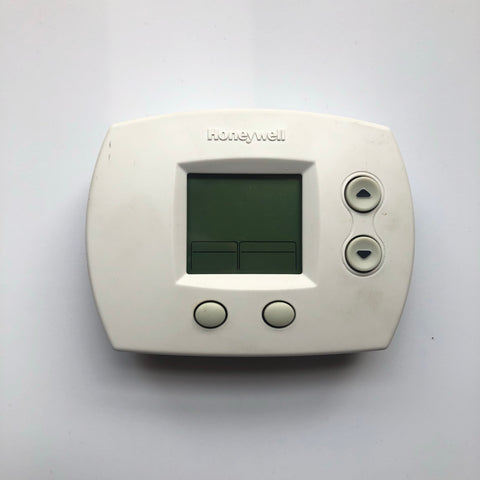 Honeywell TH5110D1006 Non-Programmable Thermostat