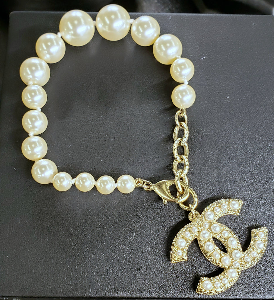 "Pearl Bracelet with Pearl ""CC"" Charm"