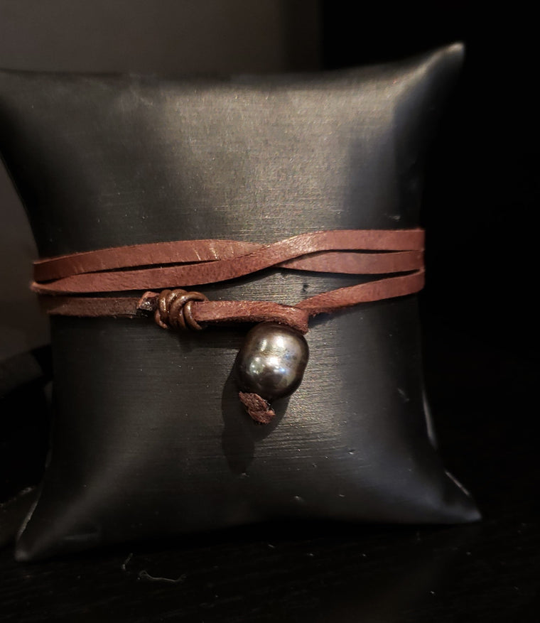 Lambskin Leather Wrap Bracelet with Tahitian Pearl Clasp